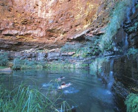Dales Gorge and Circular Pool - Surfers Paradise Gold Coast