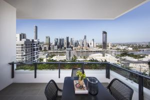 Arise Ivy  Eve Apartments - Surfers Paradise Gold Coast
