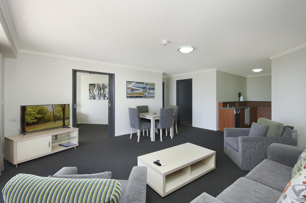 Alpha Sovereign Hotel - Surfers Paradise Gold Coast