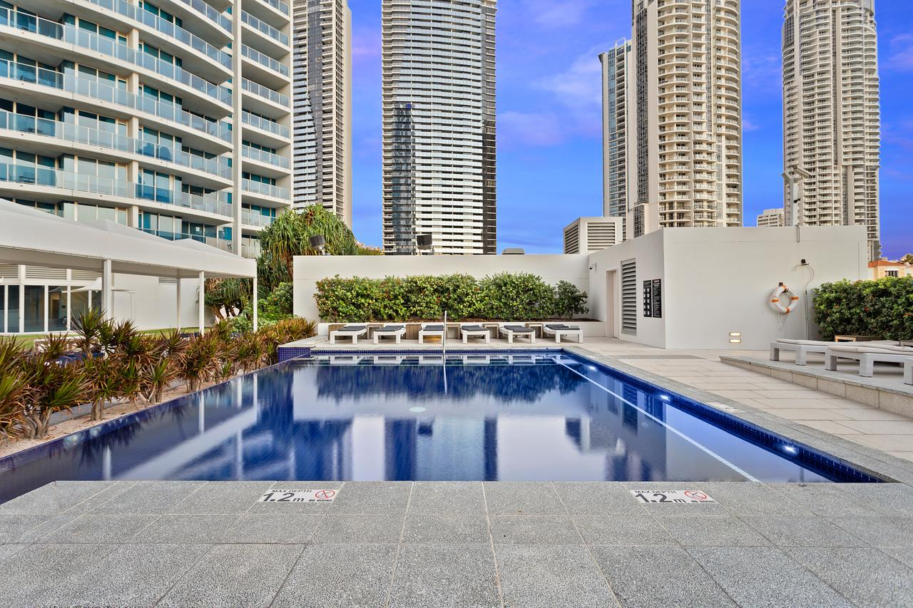 Holiday Holiday H-Residences Apartments - Surfers Paradise Gold Coast